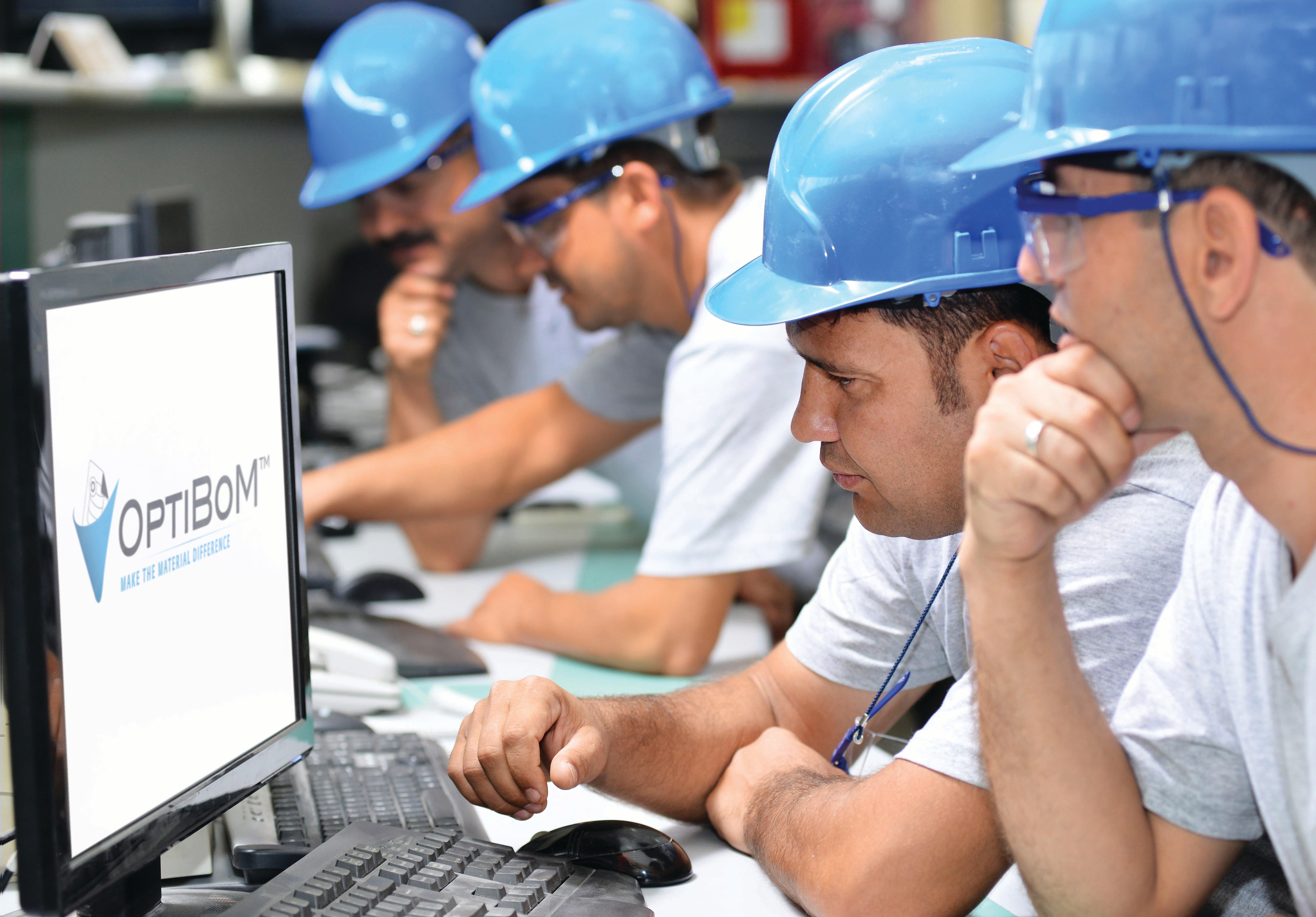AL_OptiBoM_Photo_Engineers_Computer